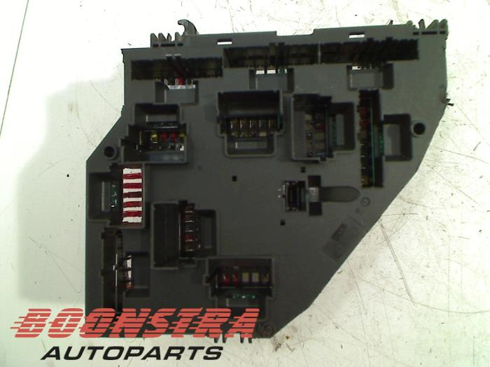 Used BMW 6 Gran Coupe (F06) 640d 24V Fuse box - 9252813 - Boonstra ...