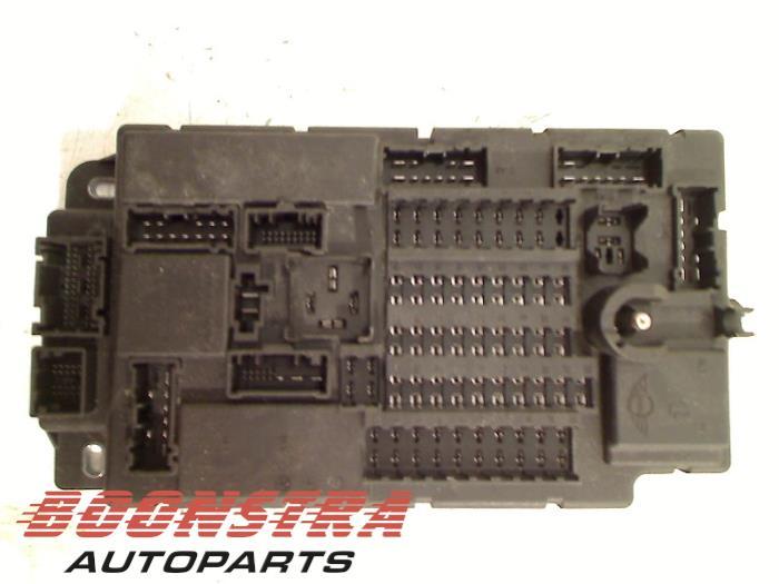 fuse box from a mini mini countryman (r60) 1 6 cooper d 2011