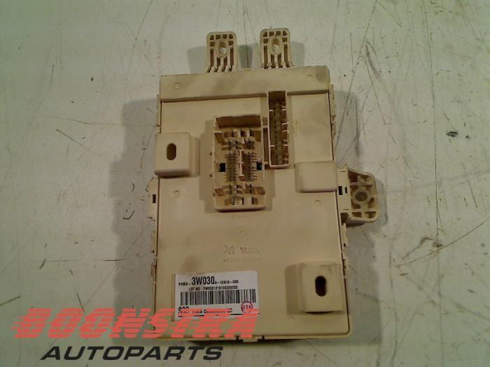 used kia sportage sl 1 6 gdi 16v 4x2 fuse box 919503w030 fuse box from a kia sportage sl 1 6 gdi 16v 4x2 2013