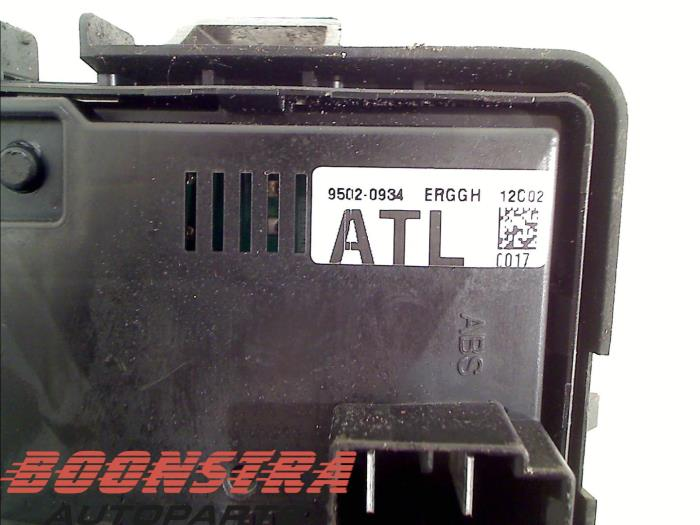 1 used chevrolet spark 1 0 16v bifuel fuse box 95020934 boonstra fuse box sparking at arjmand.co