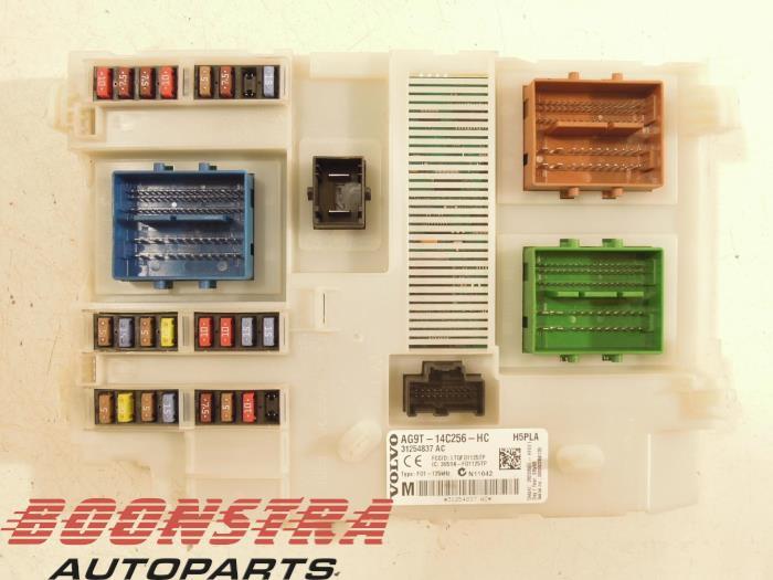 used volvo v70 bw 2 0 d 16v fuse box ag9t14c256hc boonstra rh proxyparts com  2010 volvo xc70 fuse box diagram