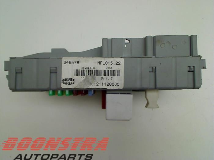 Used Maserati GranTurismo (M145) 4.7 S V8 32V Fuse box - 406626 - Boonstra  Autoparts | ProxyParts.comProxyParts.com