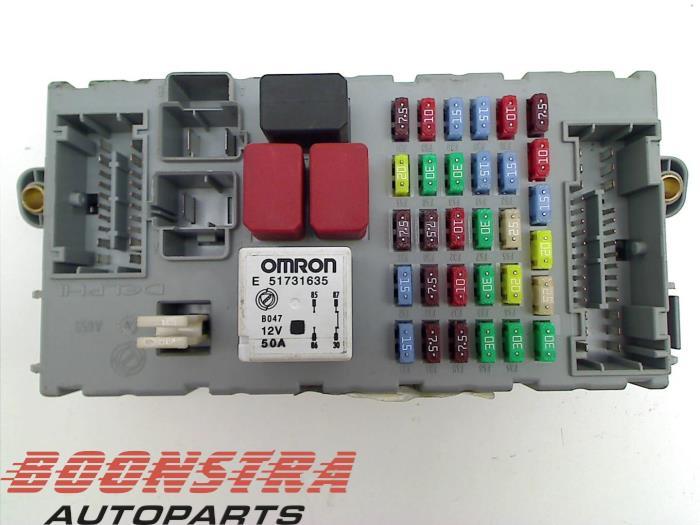used maserati granturismo m145 4 7 s v8 32v fuse box 245788cpl rh proxyparts com