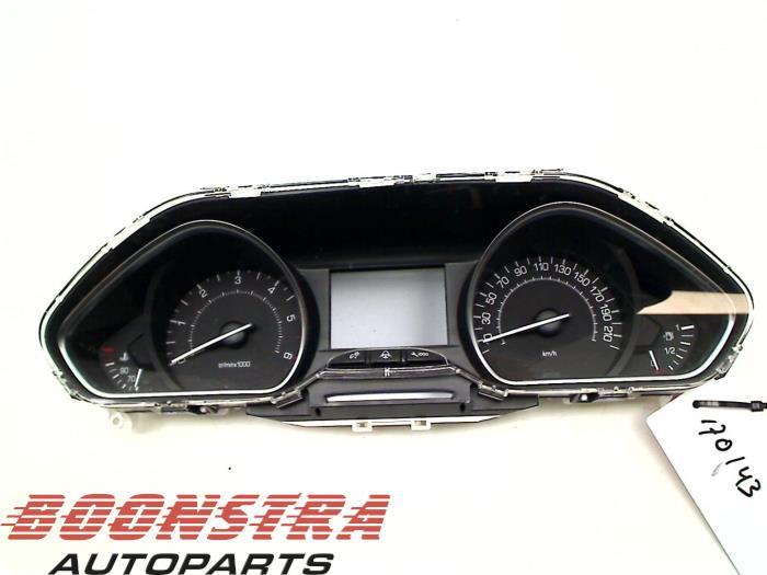 Compteur Kilometrique Km D Un Peugeot 208 Usage