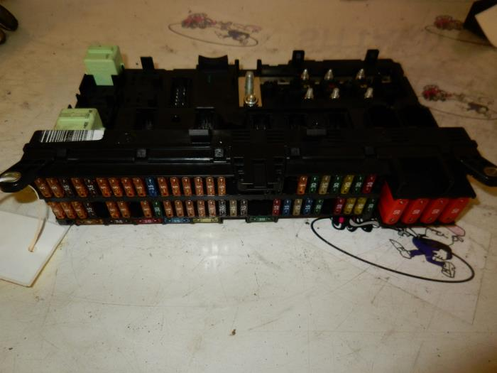 used bmw x5 e53 24v fuse box 61138384527. Black Bedroom Furniture Sets. Home Design Ideas