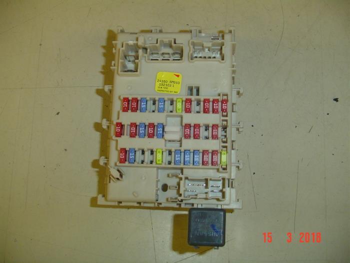 Nissan N16 Fuse Box   Repair Manual on