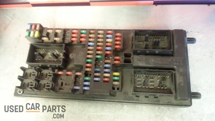 fuse box from a landrover range rover 2005