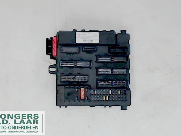 used opel vectra c 1 8 16v fuse box 13125485 bongers auto rh proxyparts com opel vectra b fuse box opel vectra b fuse box