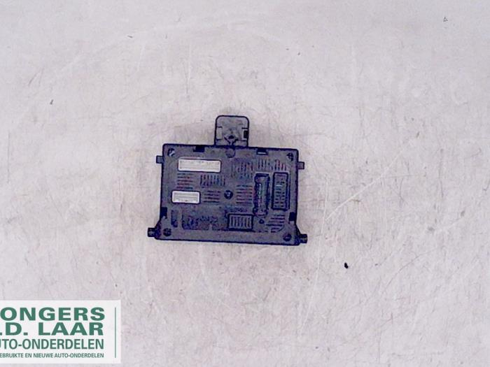 used renault clio fuse box 8200652284 bongers auto onderdelen renault clio 2007 silver fuse box from a renault clio 2007