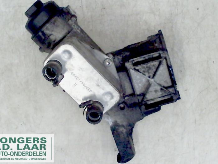 Used BMW 3 serie (E46/4) 320d 16V Oil filter housing - 6740273126