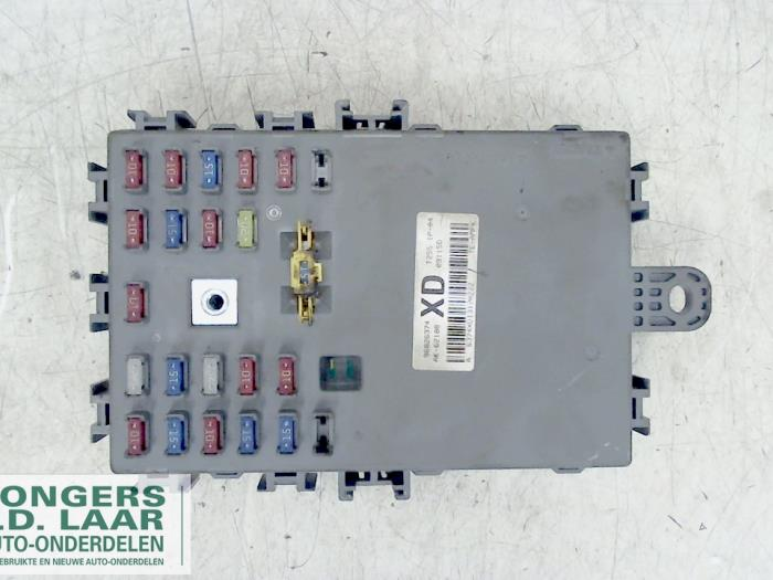 fuse box from a chevrolet aveo (used)