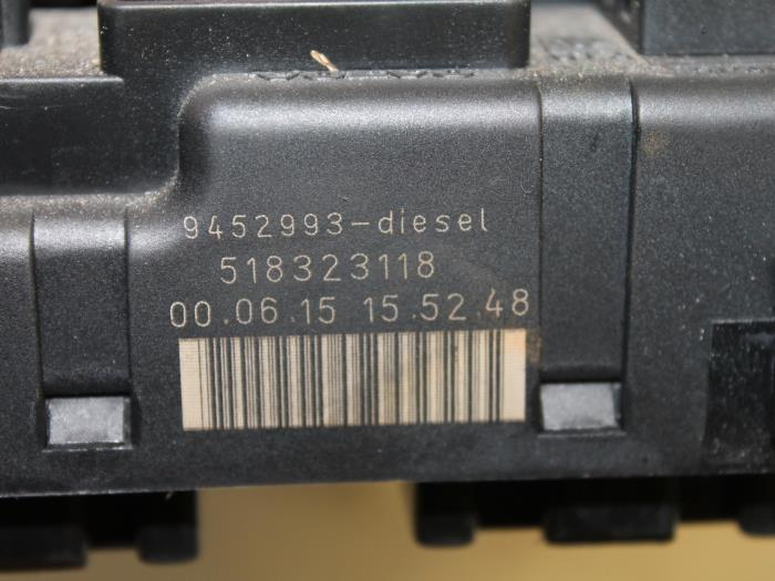 fuse box from a volvo v70 (sw) 2 5 d 2001