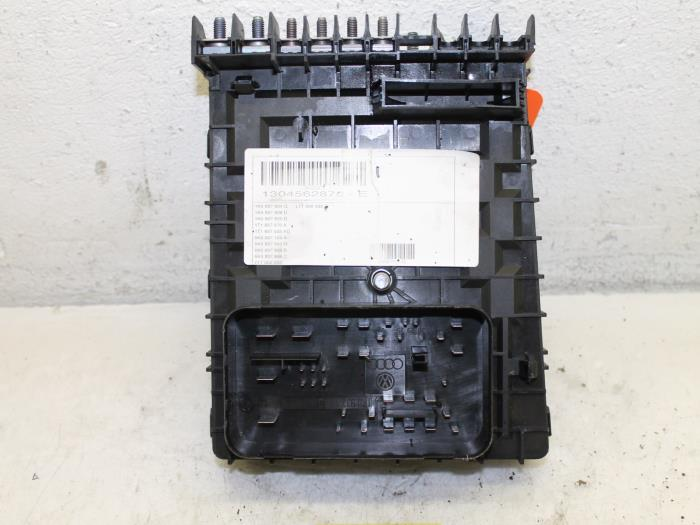 0 used volkswagen touran (1t3) 2 0 tdi 16v 140 fuse box 1k0937125d vw touran 2013 fuse box at edmiracle.co