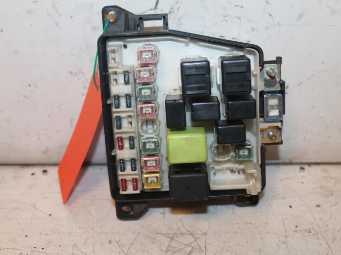 Used Mazda 323 Fastbreak (BJ14) 1.5 LX,GLX 16V Fuse box ... on