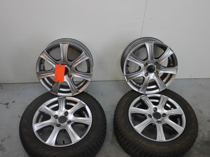 Used Daihatsu Sirion 2 M3 10 12v Dvvt Set Of Wheels