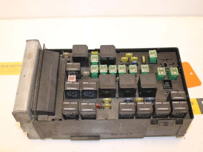 8b6230d9 a29c 45fd a135 1dfc006bf3e9 used chrysler voyager fuse box p04727558ac van gils automotive