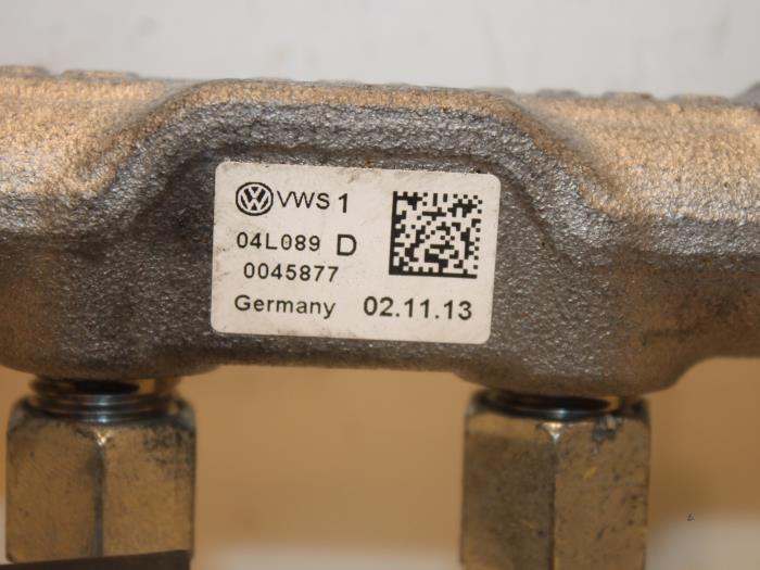 Used Audi A3 Sportback (8VA/8VS) 2 0 TDI 16V Fuel injector
