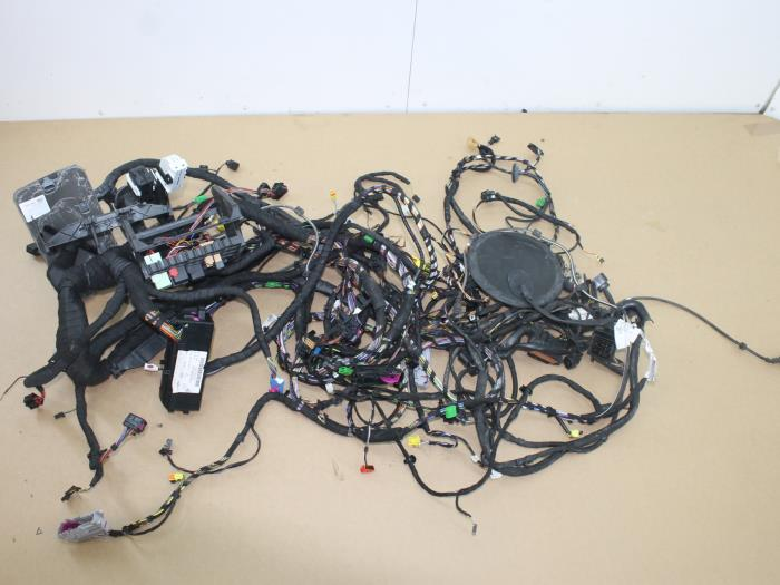 Used volkswagen polo wiring harness r e van