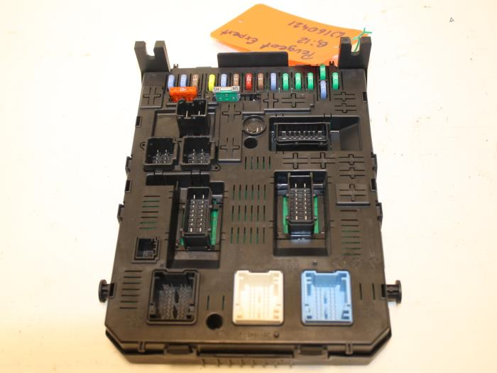 used peugeot expert fuse box 9678477180 van gils automotive rh proxyparts com peugeot expert van fuse box layout