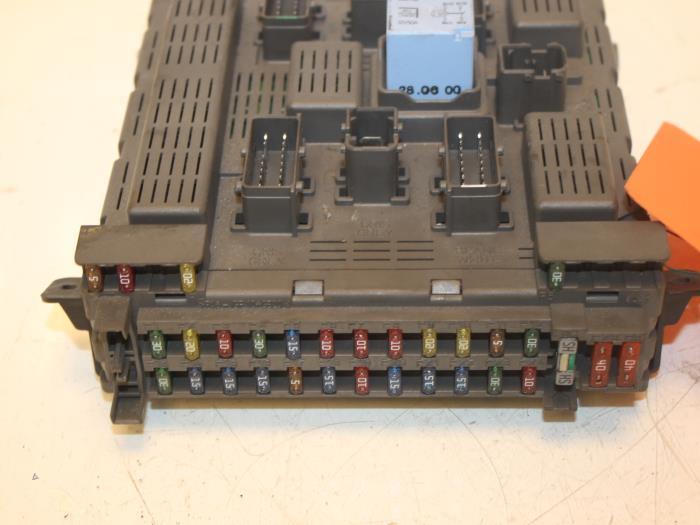 used peugeot 607 9d u 2 9 v6 24v fuse box 9643577180 van gils rh proxyparts com peugeot 607 2.2 hdi fuse box peugeot 607 fuse box layout
