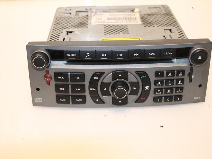 Used Peugeot 407 SW (6E) 1 6 HDiF 16V Navigation system