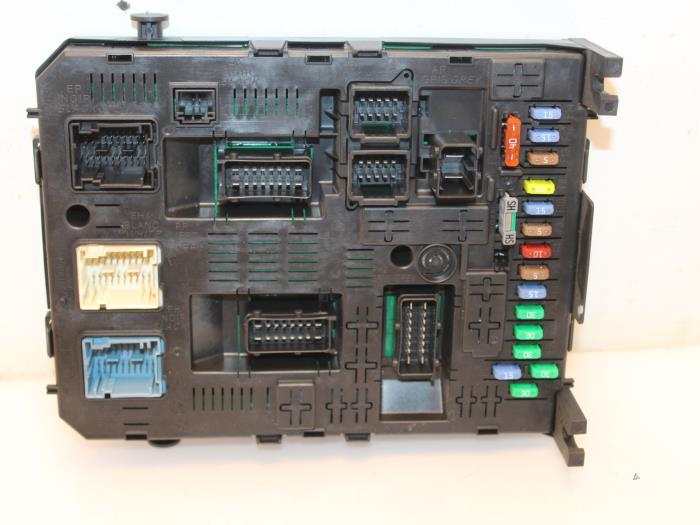 fuse box from a citro�n berlingo 1 6 hdi 16v 90 2010