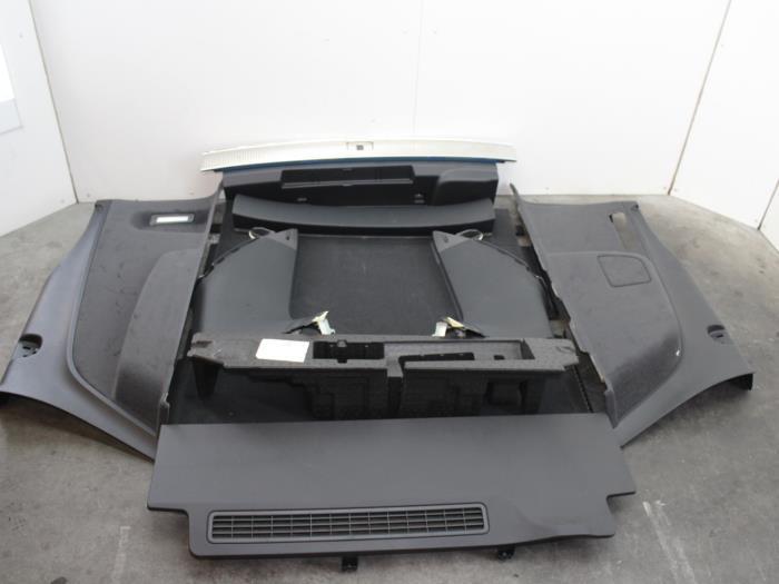 gebrauchte audi q7 4m 3 0 tdi v6 24v e tron plug in hybrid verkleidung kofferraum 4m0867839. Black Bedroom Furniture Sets. Home Design Ideas