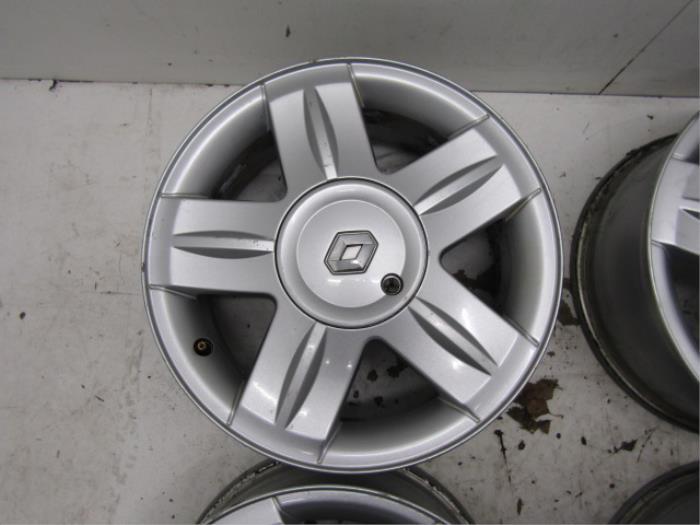 Used Renault Clio Ii Bbcbsb 16 16v Set Of Wheels