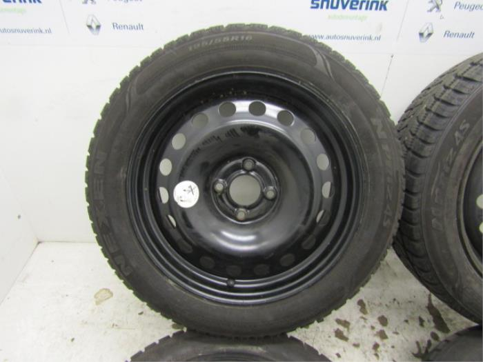 Used Renault Megane Set Of Wheels Winter Tyres