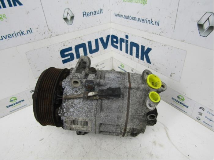 Air conditioning pump from a Renault Espace (JK) 2.0 dCi 16V 130 FAP 2007