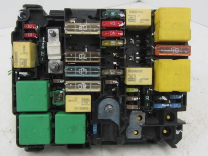 peugeot 208 fuse box layout   27 wiring diagram images