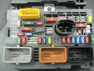 used peugeot 5008 fuse box 9675877980 snuverink. Black Bedroom Furniture Sets. Home Design Ideas