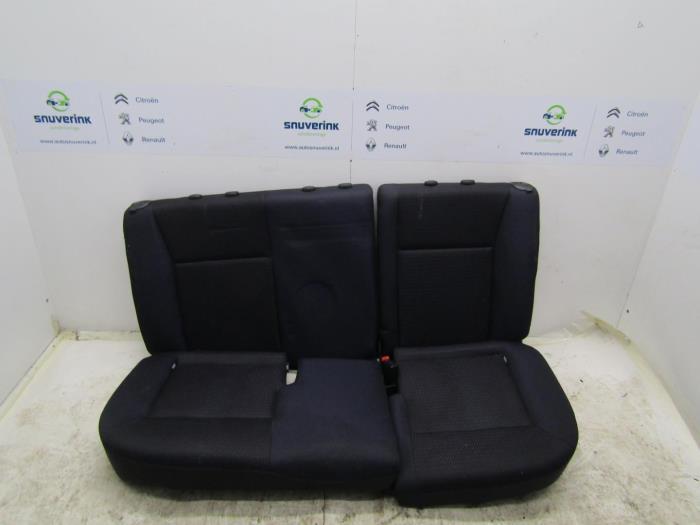 gebrauchte renault clio iii br cr 1 2 16v 75 r ckbank. Black Bedroom Furniture Sets. Home Design Ideas