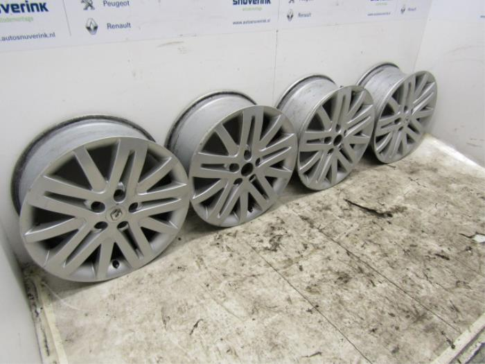 used renault laguna ii (bg) 2.0 16v set of wheels - 8200357644 alloy