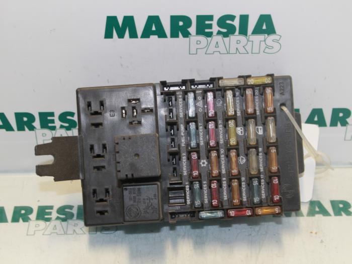 used alfa romeo 166 2 0 twin spark 16v fuse box 60659406 maresia rh proxyparts com