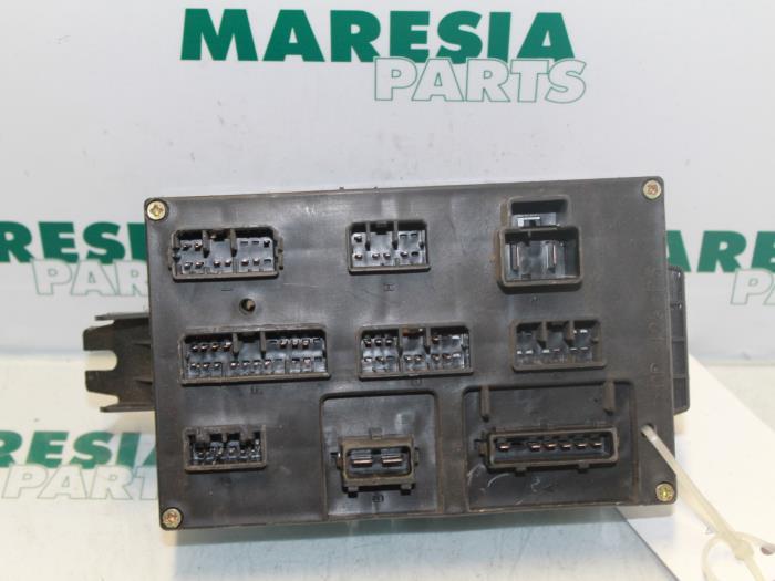 fuse box from a alfa romeo 166 2 0 twin spark 16v 1999