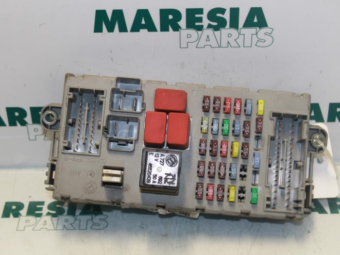 fuse box from a fiat ducato (250) 2 3 d 120 multijet euro 4 2009