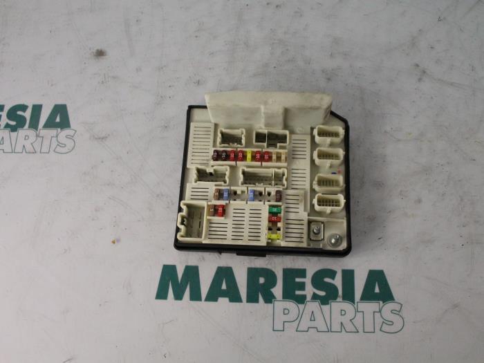 renault megane fuse box parts used renault megane ii grandtour (km) 1.5 dci 85 fuse box ...