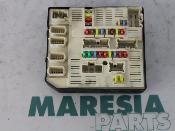 renault megane 3 fuse box read all wiring diagram Renault Clio V6