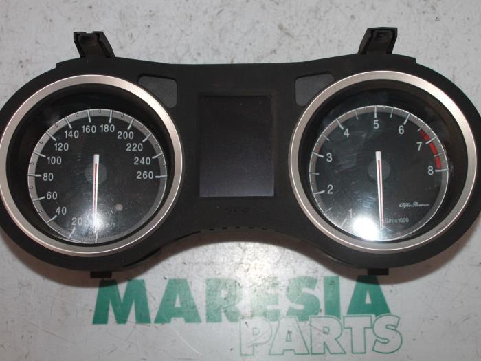 Used Alfa Romeo 159 Sportwagon 939bx 3 2 Jts V6 24v Q4 Instrument