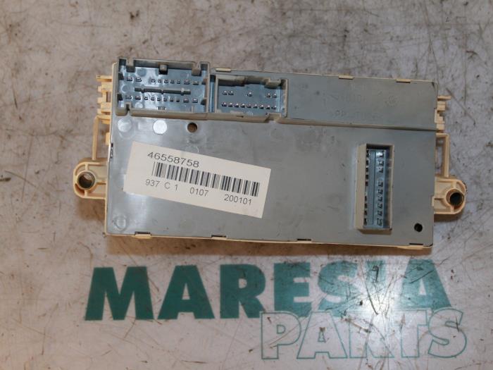 fuse box from a alfa romeo 147 (937) 1 6 twin spark 16v 2000