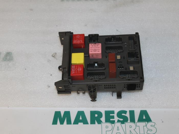 renault vel satis fuse box used renault vel satis  bj  2 2 dci 150 16v fuse box 8200004201  renault vel satis  bj  2 2 dci 150 16v