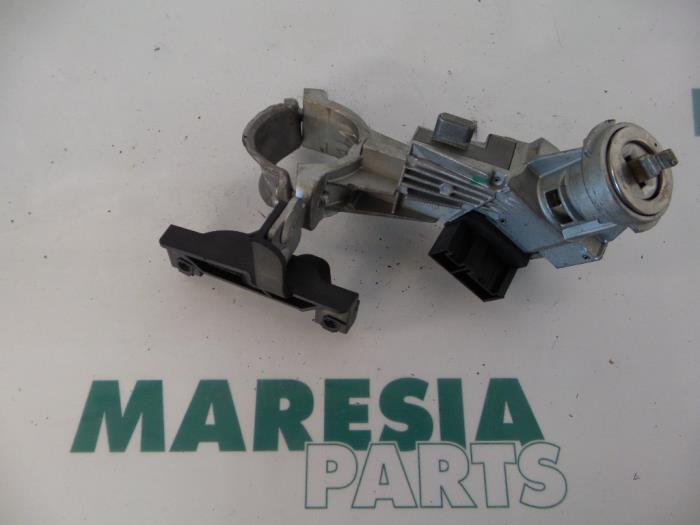 Used Fiat Grande Punto  199  1 4 Ignition Lock   Key