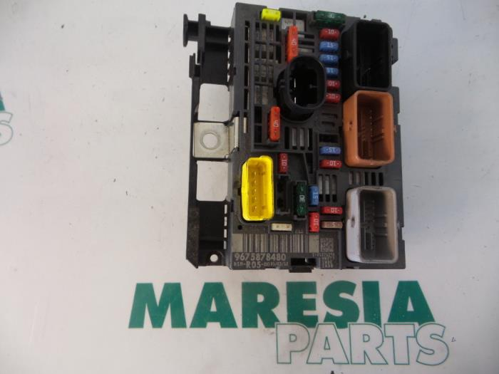 0 used citroen berlingo 1 6 hdi 75 fuse box 9675878480 maresia parts citroen berlingo 2012 fuse box at soozxer.org