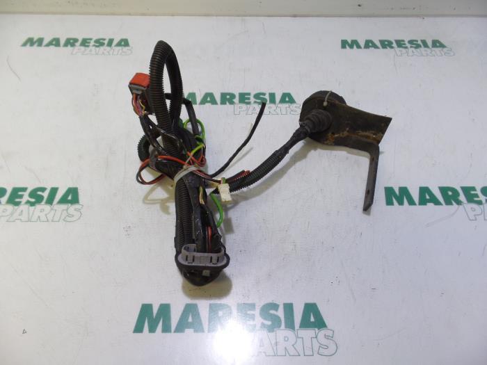 used peugeot 308 4a c 1 6 vti 16v towbar wiring kit 9665256080 rh proxyparts com peugeot 308 towbar wiring diagram peugeot 308 trailer wiring