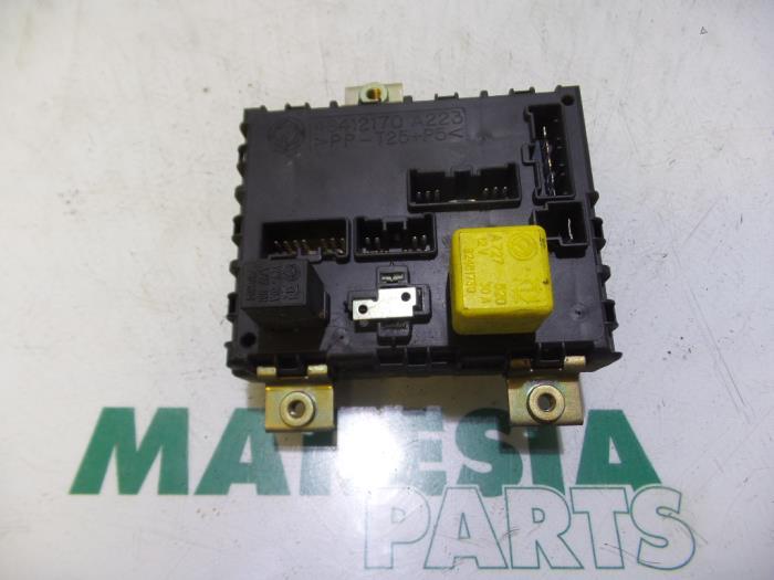 fuse box from a fiat barchetta (183) 1 8 16v 1996