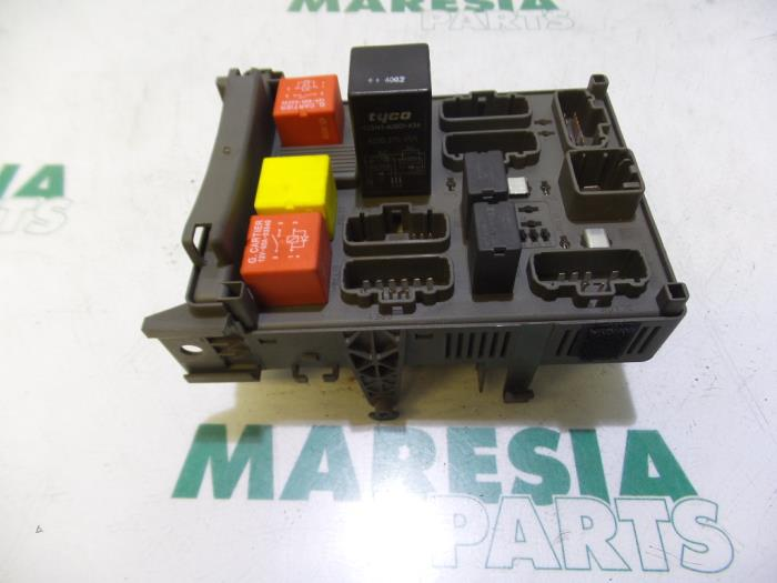 used renault vel satis  bj  2 0 16v turbo fuse box Renault Avantime 0