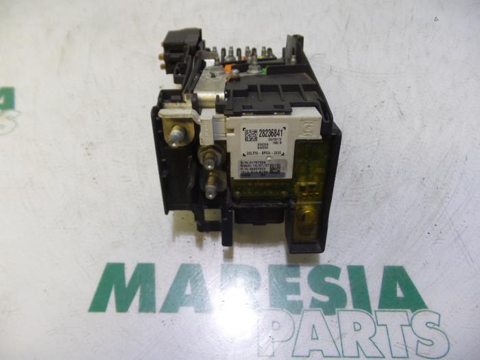 used peugeot 5008 i 0a 0e 1 6 vti 16v fuse box 9666527680 rh proxyparts com
