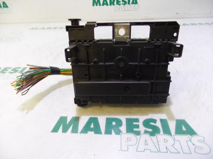 used peugeot 5008 i 0a 0e 1 6 vti 16v fuse box 9675877980 rh proxyparts com