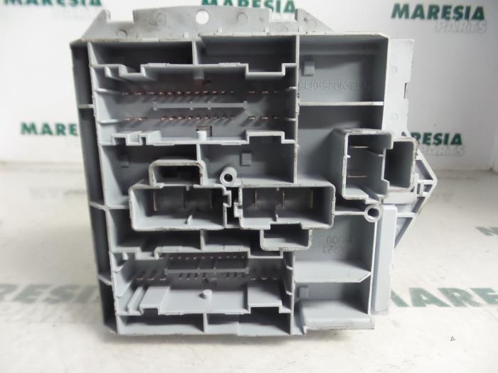 used citroen jumper u9 2 2 hdi 100 euro 4 fuse box 6500cp rh proxyparts com Metals Fuse Box Negative Power Pole Fuse